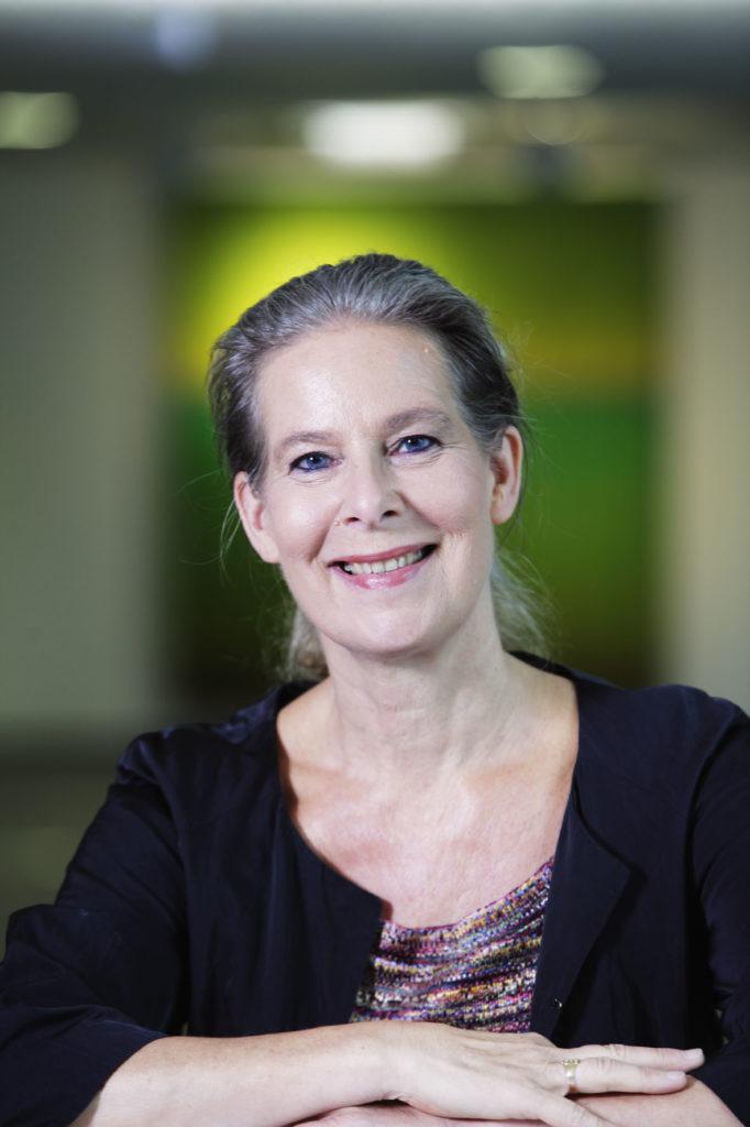 Hanna Nohynek vastasi Systolen kysymyksiin. Hän on Terveyden ja hyvinvoinnin laitoksen Infektiotautien torjunta ja rokotukset -yksikön ylilääkäri.