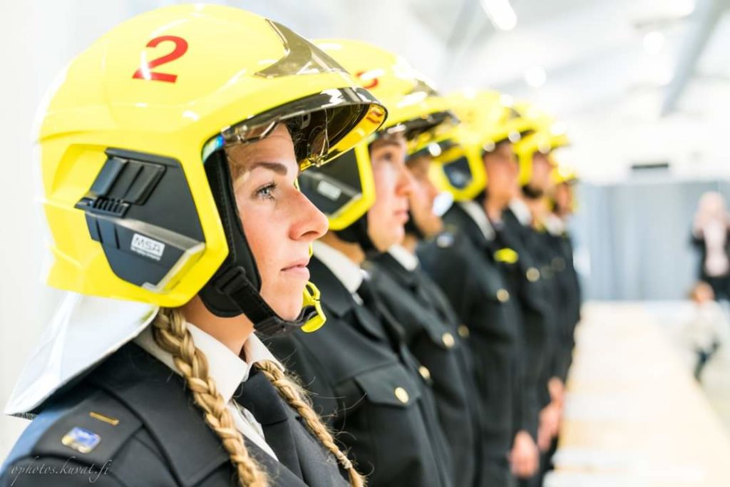 Suomessa on pula palomiehistä.
